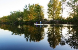Canoeing Reflected in Lake (01)